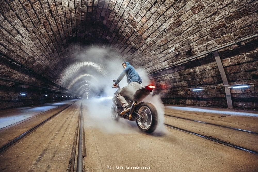 Fotenie motorky v tunely
