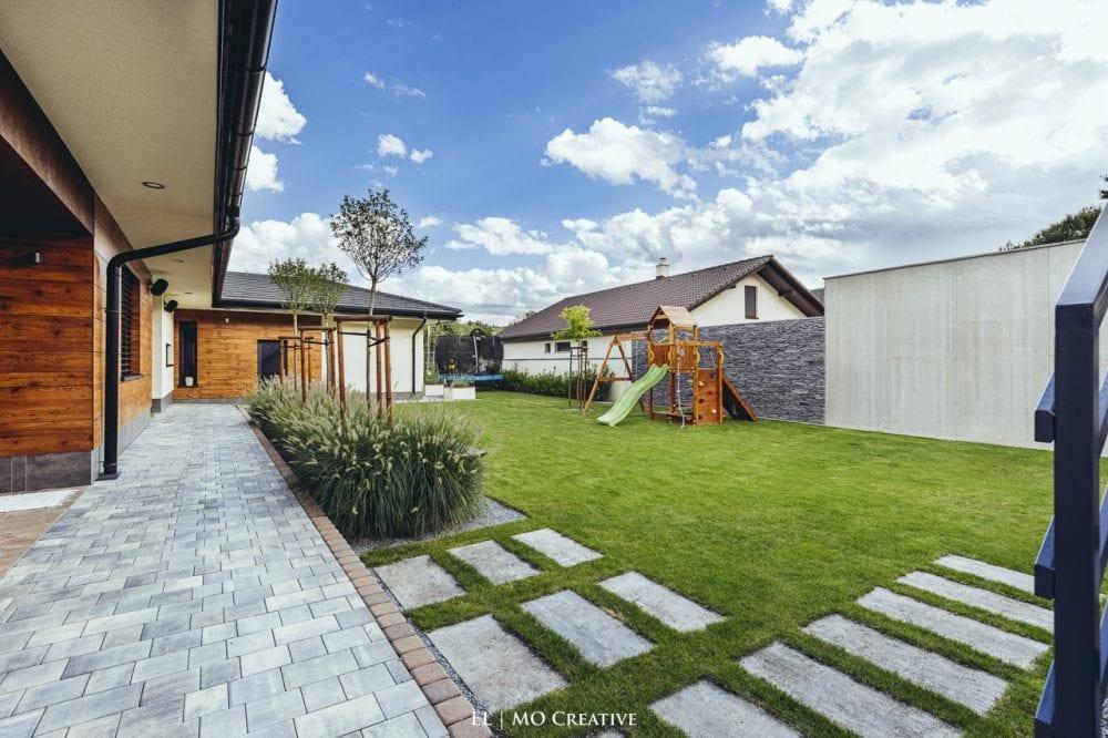 Dizajnova zahrada rodinneho domu