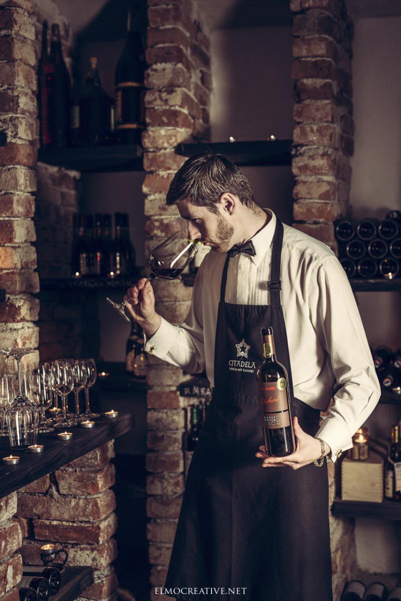 Portret vo vinnej pivnici
